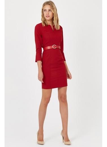 Setre Siyah V Yaka Kemerli Diz Üstü Elbise Kırmızı